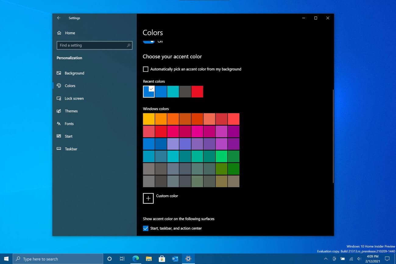 Old blue taskbar in Windows 10 before build 21313
